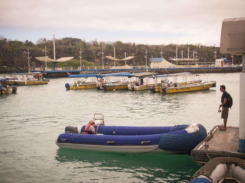 puerto ayora water taxi.jpg