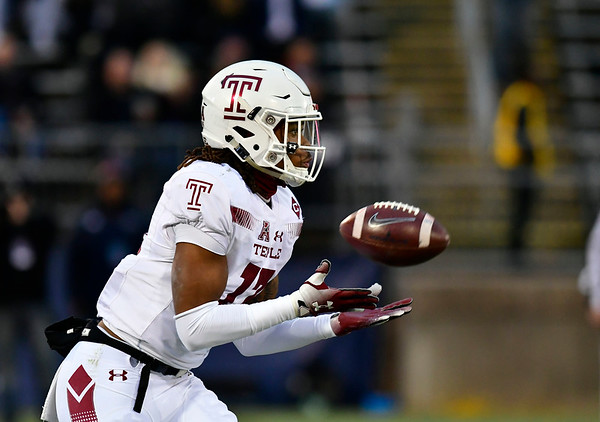11/24/2018 Mike Orazzi   Staff Temple's Isaiah Wright (13) on his way to a kick off return during Saturday's Uconn football game at Rentschler Field in East Hartford.