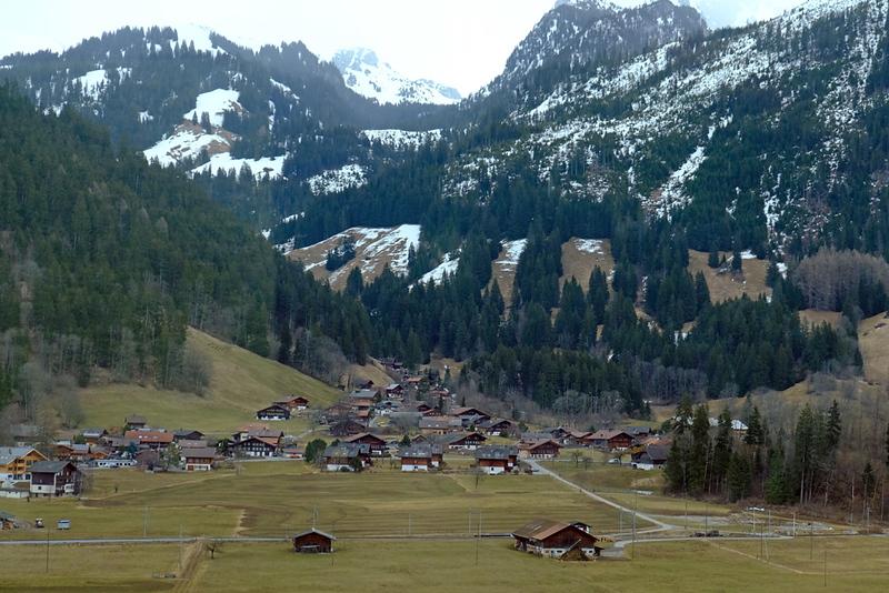 Train Lucerne to Geneva 08.jpg