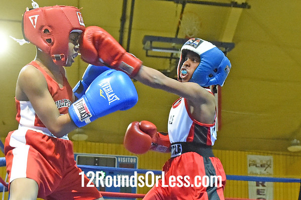 Bout 1 Ryan Williams, Blue Gloves, Bullpen Boxing(Toledo) -vs- Amarie Washington, Red Gloves, Untouchable BC, 65 lbs, Pee-Wee, 1 Min. Rds