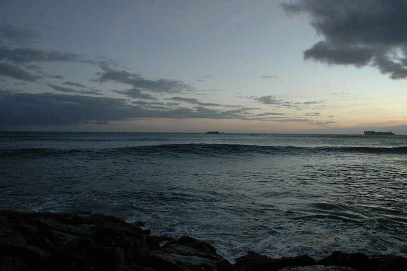 Hawaii - Ala Moana Beach Sunset-137.JPG