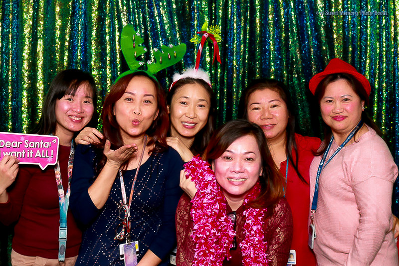Medtronic Holiday Party -33.jpg