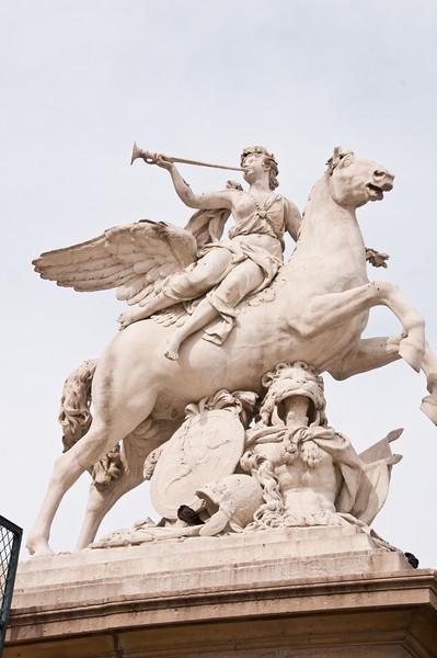 Paris is a city of sculpture.