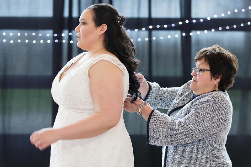 Bride&Bridesmaids_37.jpg