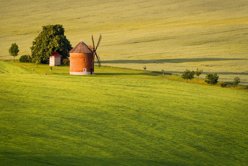 Chvalkovice windmill