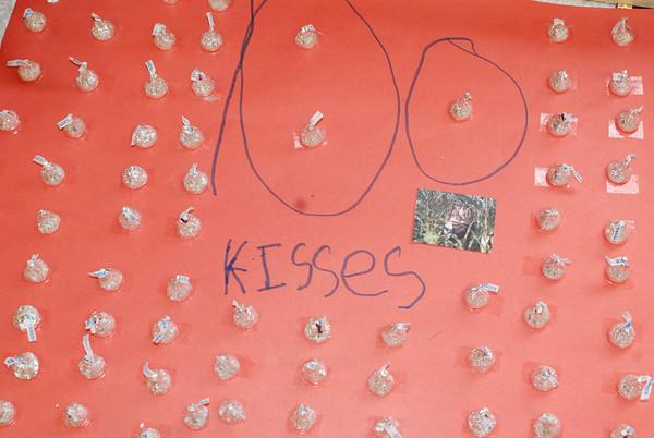Kindergarten Celebrates 100 Days of School