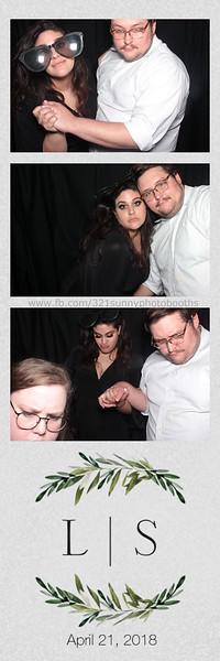 ELP0421 Lauren & Stephen wedding photobooth 131.jpg