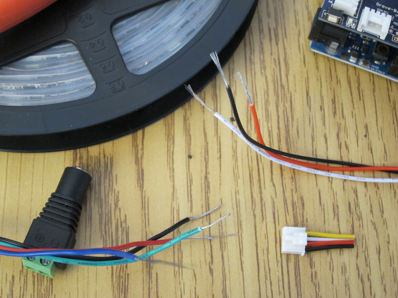 Connecting wires to LED strip
