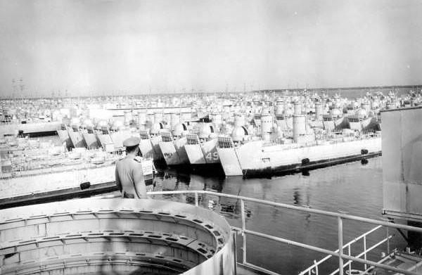 shipyards 1958-2.jpg