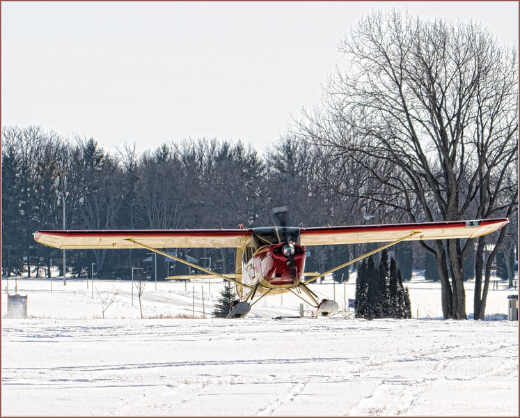 180210_0870 HiRez 1949 AERONCA 15AC Landing at Oshkosh.jpg