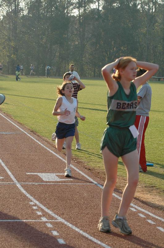 3:04 Merina at the finish.