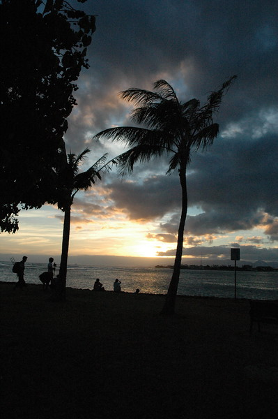 Hawaii - Ala Moana Beach Sunset-49.JPG