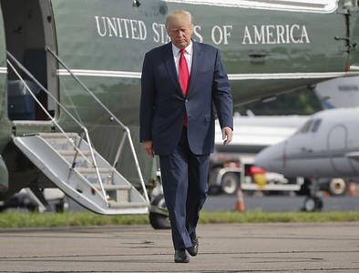 trump-defends-confederate-statues-berates-his-critics