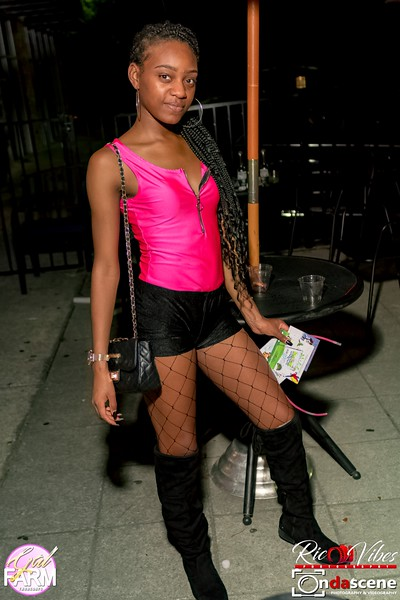 GAL FARM THURSDAYS PRESENTS IT'S GLOW NEON EDITION-229.jpg