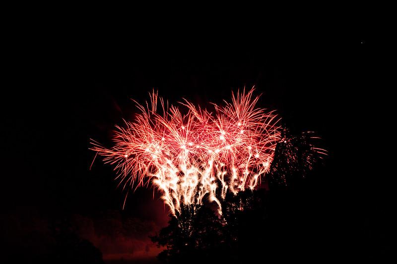 2018 - Dunorlan Park Fireworks 016_
