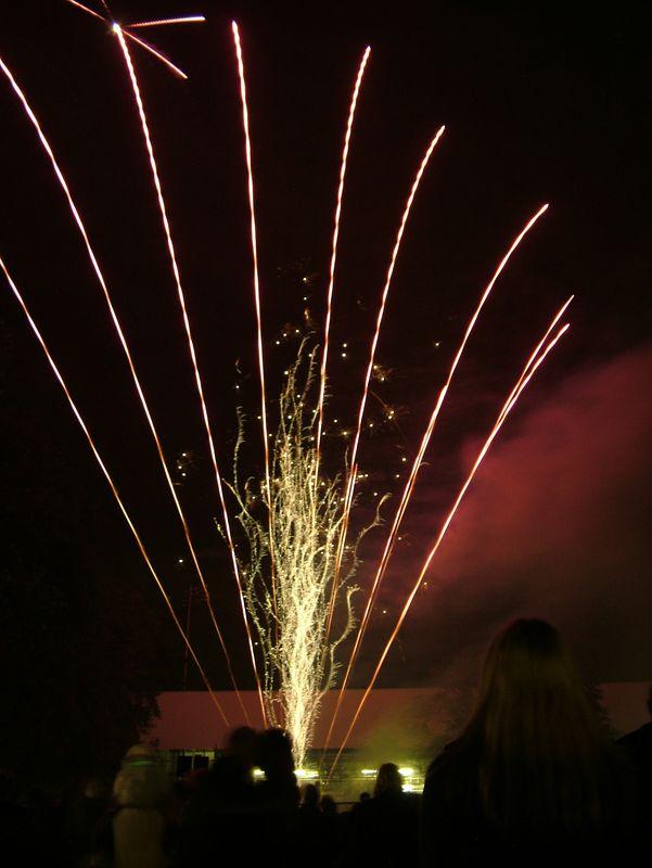 2004_1105putneyfireworks20040.JPG