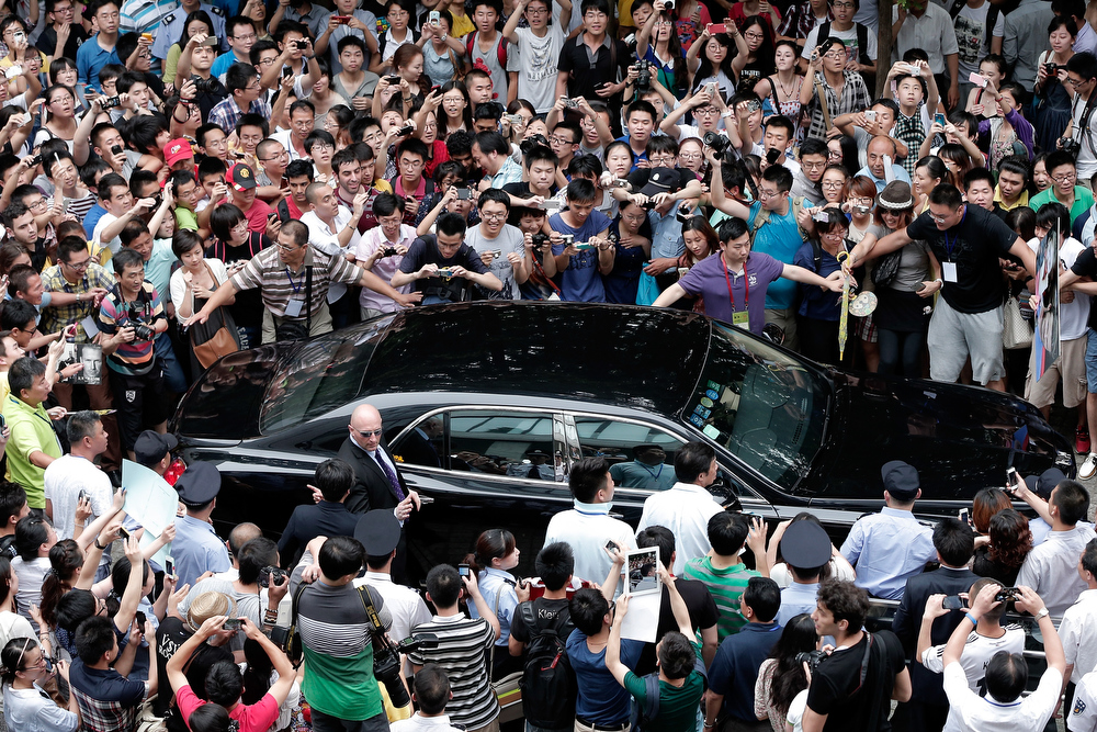. David Beckham fans gather as he visits Tongji University on June 20, 2013 in Shanghai, China.  (Photo by Lintao Zhang/Getty Images)