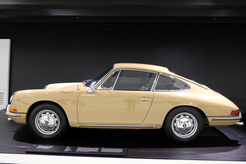 Porsche Museum 911.jpg