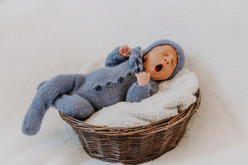newborn-harrison_9.jpg