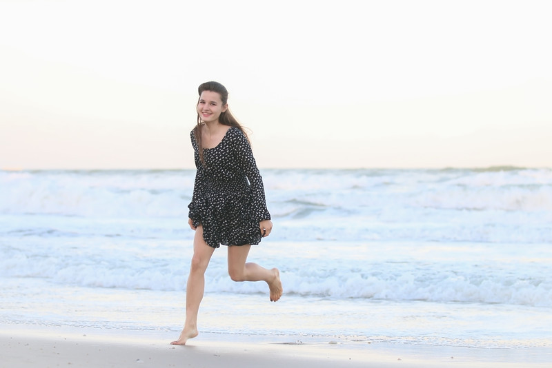 KT Corgi Beach (5 of 19).jpg