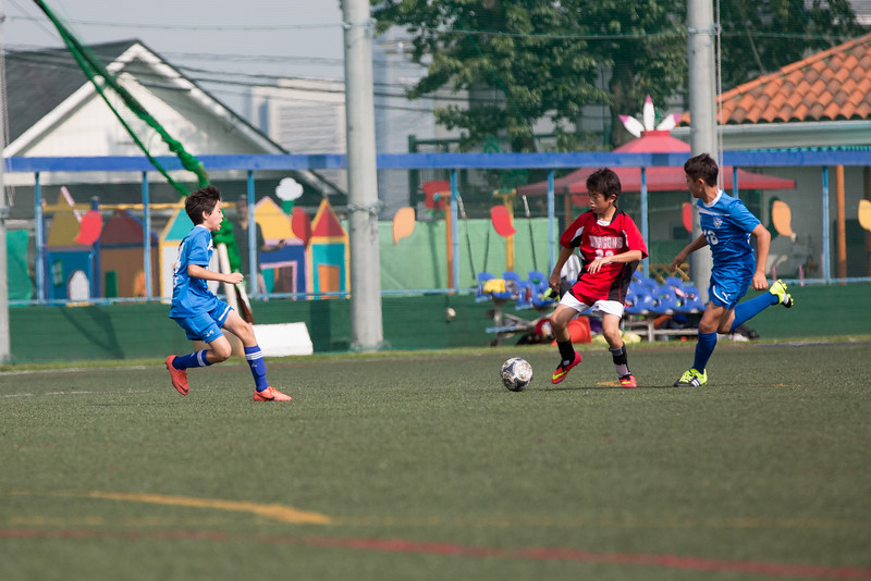 MS Boys Soccer vs Nishimachi 12 Sept-9.jpg