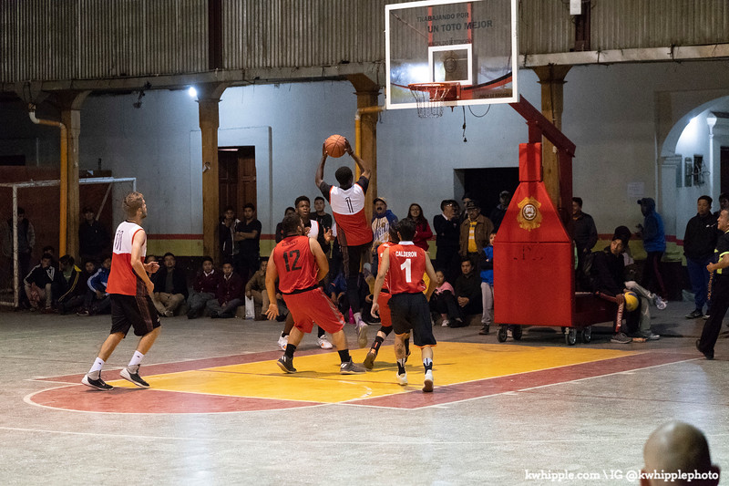 kwhipple_hoops_sagrado_20180726_0407.jpg