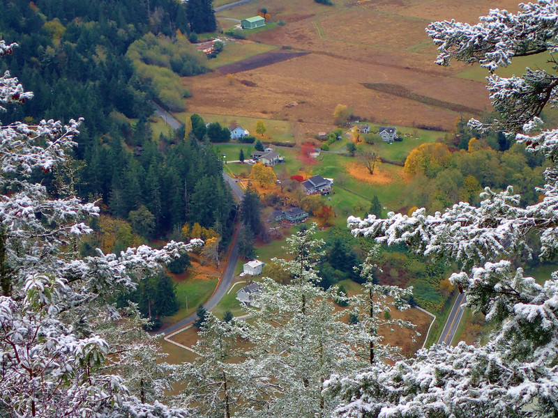 PB030049  snow above, Fall colors below.jpg
