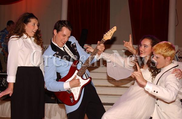 07-20-15 NEWS The Wedding Singer Promo