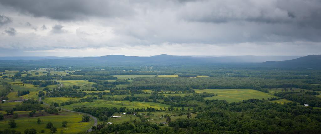 IMAGE: http://alfredomora.smugmug.com/Landscapes/General-Landscapes/i-kgs6ksn/0/XL/20120502-Petit%20Jean%20park-005-proc-XL.jpg