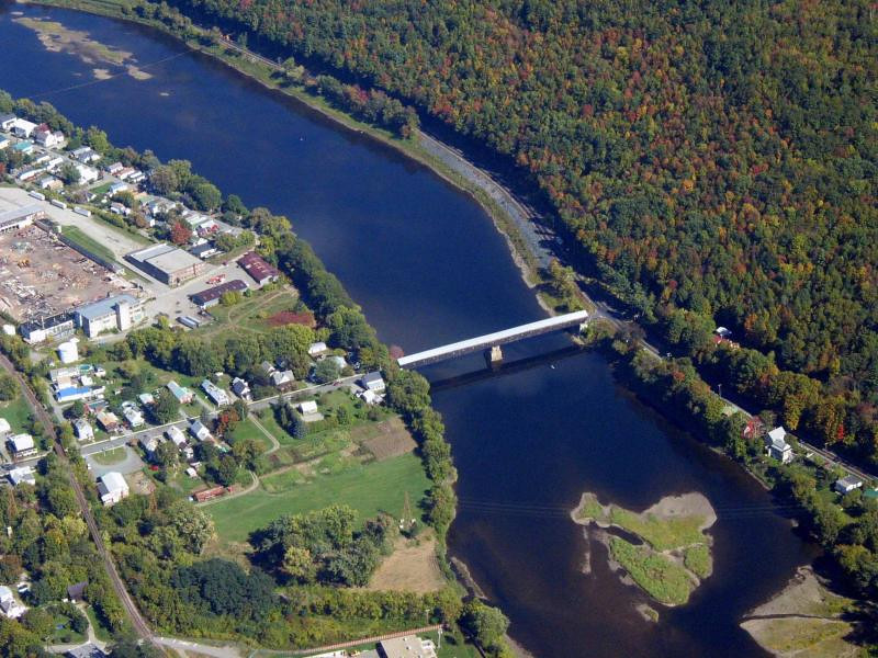 Covered Bridge at Windsor VT.jpg