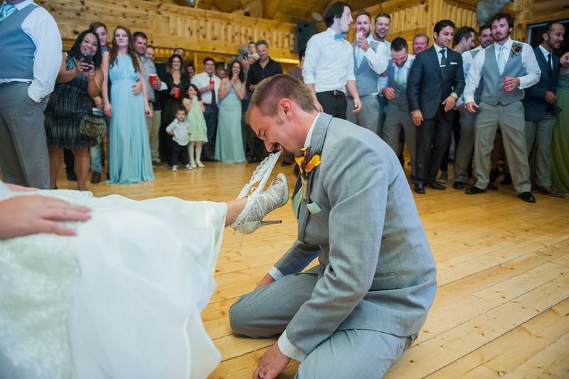 Jodi-petersen-wedding-670.jpg