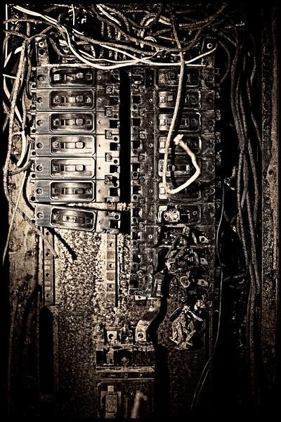 Kings Park Switchboard Atiqued 01.jpg