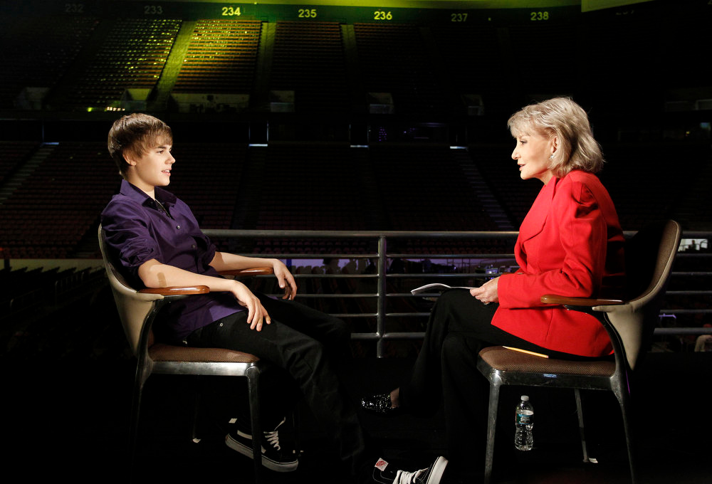 """. Barbara Walters, right, is shown with pop sensation Justin Bieber during an interview for \""""Barbara Walters Presents: The 10 Most Fascinating People of 2010,\"""" an hour-long ABC News special. (AP Photo/ABC, Lou Rocco)"""