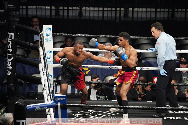 Gary Russell vs. Andrew Rodgers
