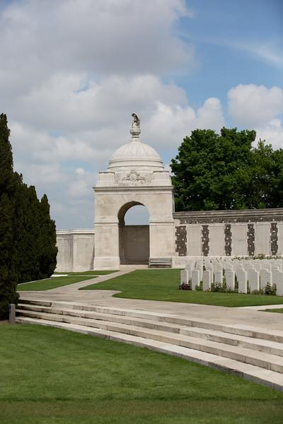 Ypres Tyne Cot Cemetery (25 of 123).jpg