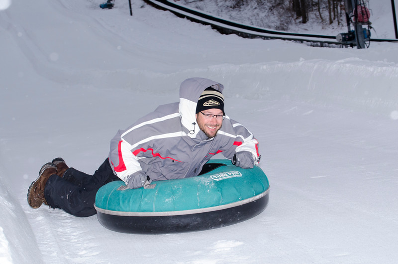 Opening-Day-Tubing-2014_Snow-Trails-70963.jpg