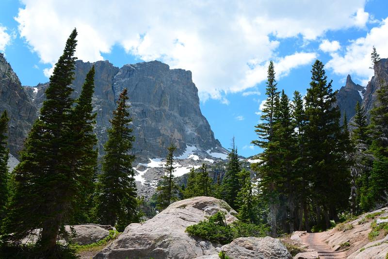 Path to Emerald Lake