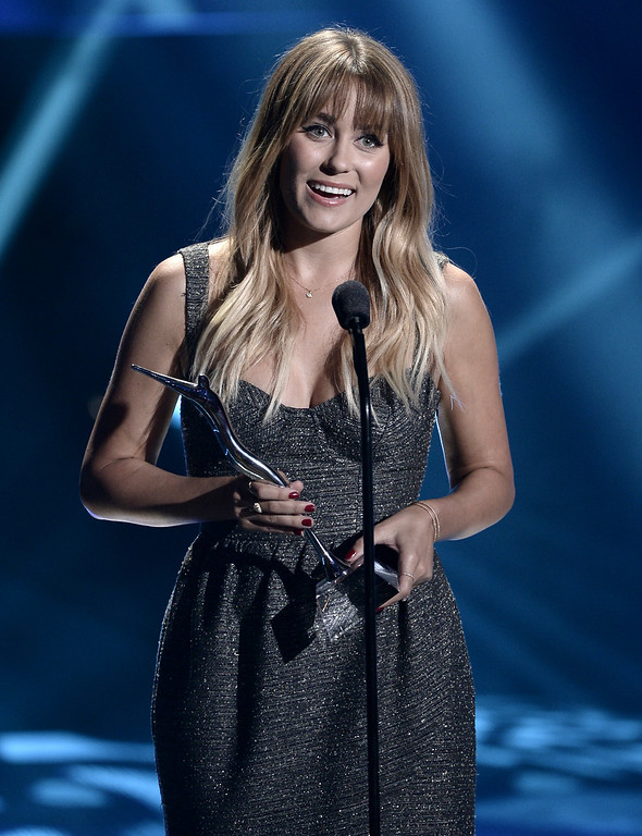 . Television personality and fashion designer Lauren Conrad receives the SodaStream UnBottle the World Award at the CW Network\'s 2013 Young Hollywood Awards presented by Crest 3D White and SodaStream held at The Broad Stage on August 1, 2013 in Santa Monica, California.  (Photo by Kevin Winter/Getty Images for PMC)