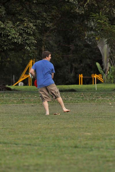 042409Ultimate Frisbee @ EARTH073.jpg