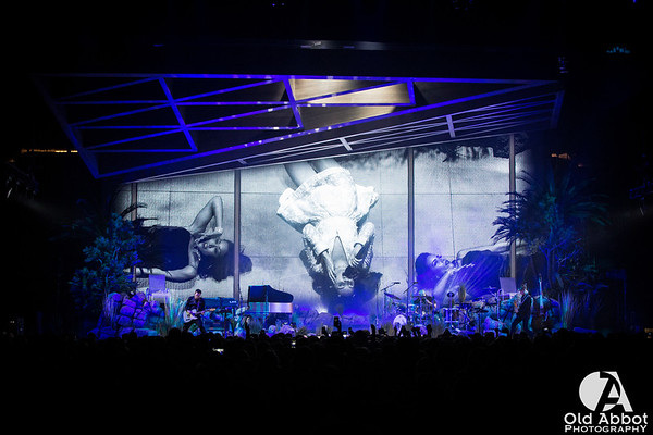 Lana Del Rey [LA to the Moon Tour]