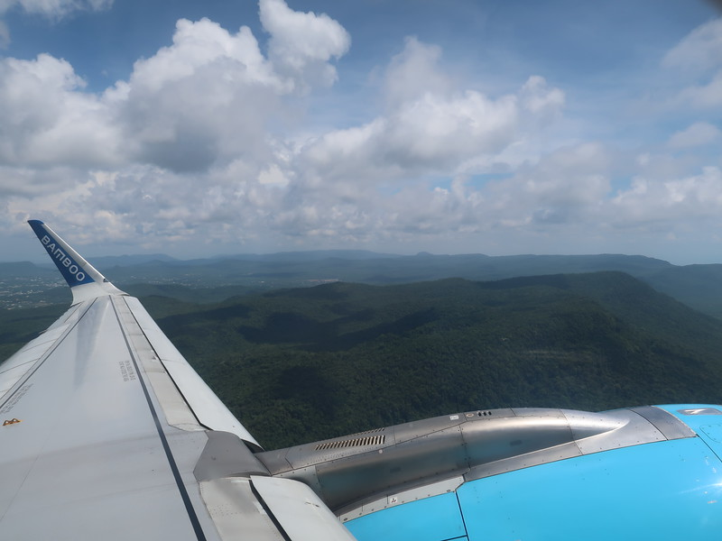 IMG_9748-flying-over-phu-quoc.JPG