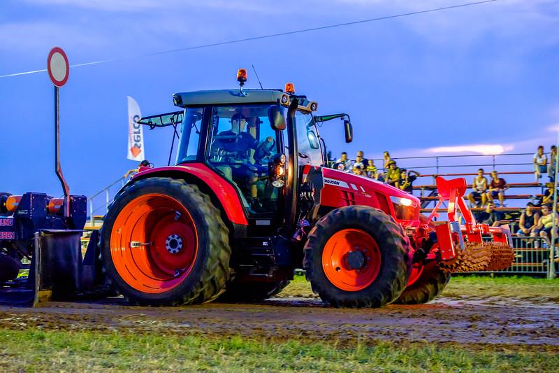 Tractor Pulling 2015-2087.jpg