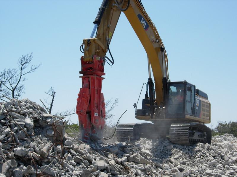 NPK M38G concrete pulverizer on Cat excavator-concrete recycling (7).JPG