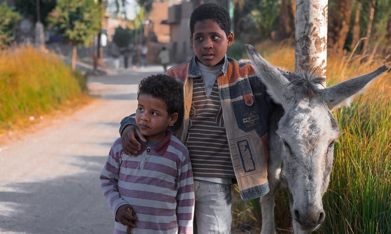 Niños egipcios. Luxor. Egipto