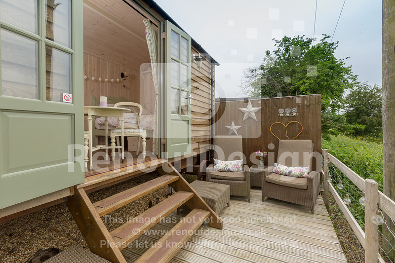 15 - Four Bedroom New Forest Chalet Bungalow with Annexe and Garden Room - For Sale