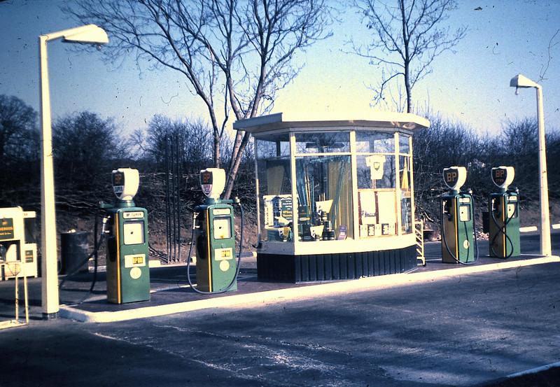 022 46 Filling Station.JPG