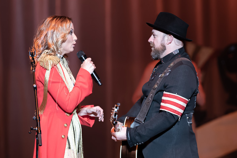 Jennifer Nettles and Kristian Bus