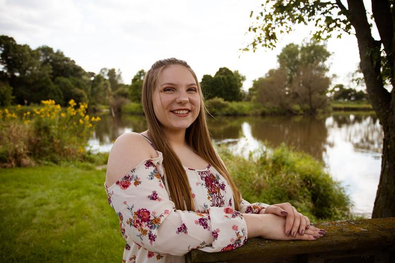 Katelyn Senior Photos 060.jpg
