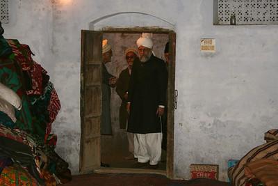 Huzoor Inspects Masjid Aqsa