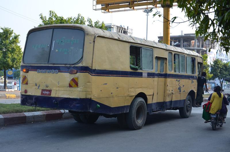DSC_4876-old-bus.JPG
